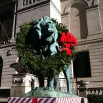 Art Institute of Chicago: Wreathing of the Lions Ceremony
