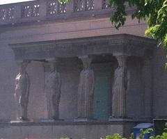 MSI museum Caryatids